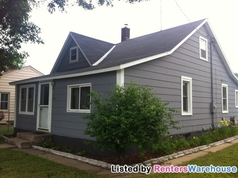 Cute Ready 5/1 2bed/1bath w/Heated Garage